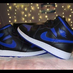 Royal Toe Jordan 1 mids